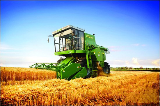我国小麦收获机处在成长阶段 机械水平仍需突破